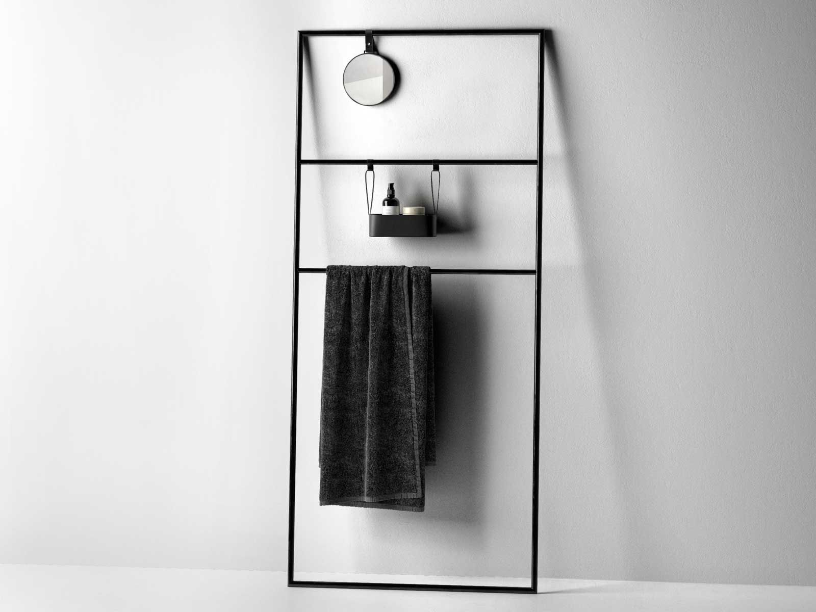 Coco towel rail rack with mirror and bath accessories for Rack for bathroom accessories